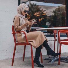40 Elegant Hijab for Working – Hijab Fashion 2020 Casual Hijab Outfit, Hijab Chic, Hijab Dress, Casual Outfits, Hijab Wear, Work Outfits, Muslim Fashion, Modest Fashion, Hijab Fashion