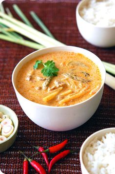 Quick and Easy Thai Curry Recipe with tofu or your favorite meat.