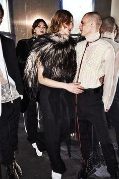 http://www.sonnyphotos.com/2017/01/ann-demeulemeester-fall-17-men-fashion-show-paris-backstage