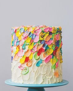 "3,669 Likes, 71 Comments - Better Homes & Gardens (@betterhomesandgardens) on Instagram: ""This Painted Buttercream Cake by @katherine_sabbath is a dream! 😍  Guess what's inside?! Layers of…"""