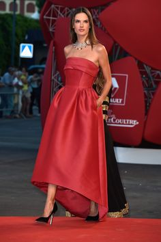 Alessandra Ambrosio.. Alberta Ferretti gown.. regal chic..