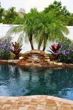 Tropical home design with mini pool (30)