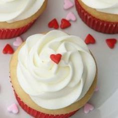 Quick and Almost-Professional Buttercream Icing Recipe Cake Pops, Chocolate Flan, Buttercream Icing, Exotic Food, Cakes And More, Allrecipes, Cupcake Cakes, Cake Recipes, Cake Decorating