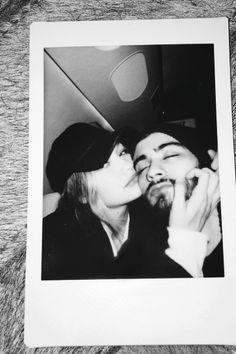 "The post ""Cute couple: Former One Direction hunk Zayn Malik shared a loved-up picture of himself cuddling up to new girlfriend Gigi Hadid on Sunday"" appeared first on Pink Unicorn Relationship Pictures, Cute Relationships, Relationship Goals, Ex One Direction, One Direction Singers, Dylan Sprouse, Zayn Malik Fotos, Cute Couple Selfies, Gigi Hadid And Zayn Malik"