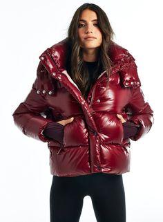 New York Girls, Down Coat, Puffer Jackets, Mantel, Cool Girl, Winter Outfits, Jackets For Women, Womens Fashion, Coats