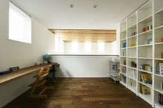 多目的スペースは、ひとまず子供たちの勉強部屋に。さて次はどう変化していくのでしょうか?