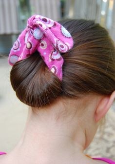 Operation Summer Hair Rescue Part 2 - How To Make A Bun Maker, also to see a tutorial for how to use these go here:  http://www.qwikbuns.com/www.qwikbuns.com/Instructions.html