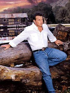 Country music artist Sammy Kershaw hails from Kaplan, Louisiana. Country Music Stars, Best Country Music, Country Music Artists, Country Strong, Country Men, Sammy Kershaw, Country Western Singers, Music Online, George Strait
