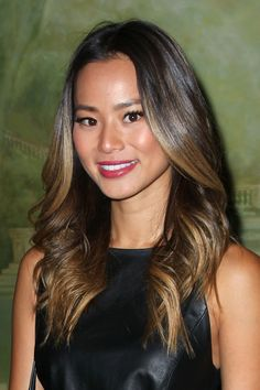 Jamie chung at alice+olivia by stacey bendet fashion show in Balayage Hair Blonde, Blonde Highlights, Asian Balayage, Jamie Chung Hair, Alice Olivia, Balayage Hair Tutorial, Bridesmaid Hair Updo, Hair Styler, New York