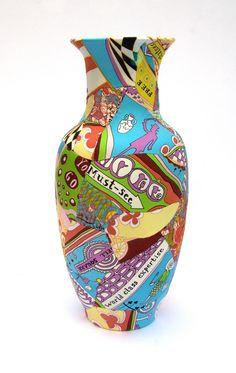 Grayson Perry, Mr right vase Ceramic Clay, Ceramic Pottery, Pottery Art, Greek Pottery, Clay Pot Projects, Ceramics Projects, Grayson Perry Art, Coil Pots, China Art
