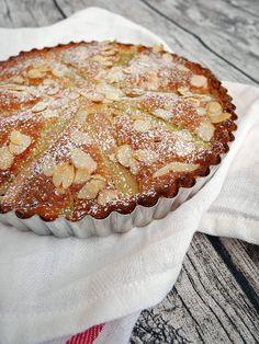 Almond and rhubarb cake. Cake Recipes, Dessert Recipes, Desserts, Lchf, Grandma Cookies, Rhubarb Cake, Muffins, Cheesecake Brownies, Swedish Recipes