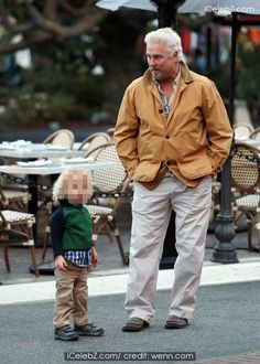 CSI star William L Petersen out with his wife Gina and two year old twins visit The Grove shopping Mall in West Hollywood http://www.icelebz.com/events/csi_star_william_l_petersen_out_with_his_wife_gina_and_two_year_old_twins_visit_the_grove_shopping_mall_in_west_hollywood/photo4.html