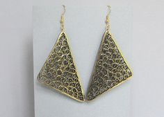 Quilled Earrings Gold on Black Paper Filigree von BarbarasBeautys, $15.00