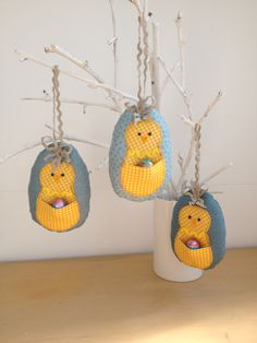 2016-3 Easter Chicks - Designed and made by Jan