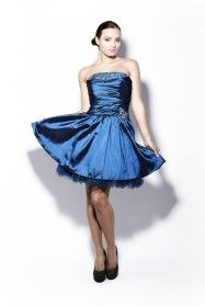 Fantastic women's clothing range including tops, skirts, ponchos and sweatshirts Strapless Dress Formal, Formal Dresses, Red Carpet Dresses, Special Occasion, Evening Dresses, Prom, Clothes For Women, Womens Fashion, Skirts