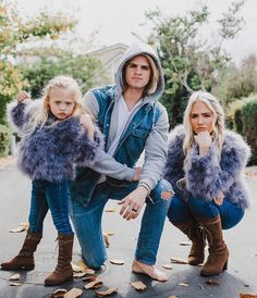 Col and sav and elsing Cute Family, Family Goals, Beautiful Family, Savannah Soutas, Cole And Savannah, Sav And Cole, Everleigh Rose, Mother Daughter Fashion, Johnson Family