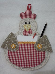 Craft project for the kitchen Cd Crafts, Farm Crafts, Diy Arts And Crafts, Crafts To Sell, Sewing Crafts, Crafts For Kids, Quilting Projects, Quilting Designs, Craft Projects