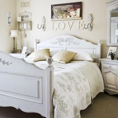 French bedroom decor is magical in which it is characterized by being both delicate and sophisticated at the same time. If you are into regal and stylish furniture then French bedroom decor is the bes French Inspired Bedroom, French Bedroom Decor, Country Bedroom Design, French Country Bedrooms, Bedroom Vintage, Home Bedroom, Bedroom Ideas, Bedroom Inspiration, Master Bedroom