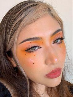 Edgy Makeup, High Fashion Makeup, Eye Makeup Art, Skin Makeup, Beauty Makeup, Makeup Trends, Makeup Inspo, Makeup Inspiration, Creative Eye Makeup