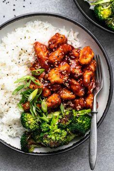 Sticky Sesame Chicken | Creme De La Crumb Chicken Over Rice, Easy Sesame Chicken, Chicken Broccoli Rice, Chicken Rice Bowls, Asian Chicken, Broccoli Recipes, Healthy Chicken Recipes, Asian Recipes, Chicken Meals