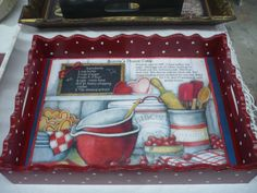 Decoupage print onto tray; Painted Trays, Hand Painted, Breakfast Tray, Decoupage Box, Arts And Crafts, Diy Crafts, Wooden Art, Kitchen Paint, Vintage Wood