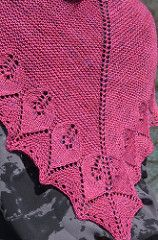 Alice shawl pattern by Marie Adeline Boyer. This is a beautiful piece of knitting that will be wonderful to wrap yourself in.  And the pattern is FREE!