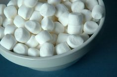 Marshmallows - Rezept | GuteKueche.at Marshmallows, Austrian Recipes, Jello, Crackers, Bakery, Deserts, Food And Drink, Cereal, Sweets