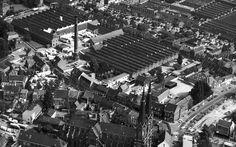 Bovenaanzicht Heuvel met Beka fabriek en recht de fabriek van Swabo in de Hoogvenne.