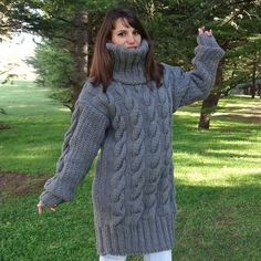 Pull gris Mohair, Pull tricot à main, Pull Crewneck, Pull Oversized, Pullover Thick Sweaters, Hand Knitted Sweaters, Mohair Sweater, Sweaters For Women, Women's Sweaters, Gros Pull Long, Poncho Cape, Handgestrickte Pullover, Pull Gris