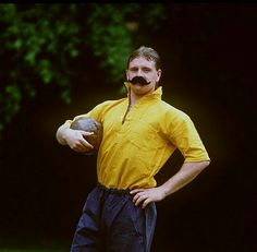 Paul Gascoigne English Legends, Tottenham Hotspur Football, Rangers Fc, England Football, Retro Football, Newcastle, Funny Pics, Socks, Sport