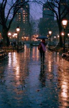 60 ideas photography street night rainy days for 2019 Rainy Mood, Rainy Night, Night Rain, Gif Chuva, Rainy Street, City Rain, Rainy City, Smell Of Rain, Rain Photography
