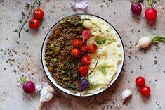Francúzska šošovica so zemiakovou kašou - recept | Varecha.sk Risotto, Oatmeal, Breakfast, Ethnic Recipes, Food, The Oatmeal, Morning Coffee, Rolled Oats, Eten