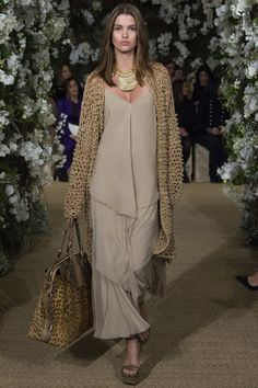 See the complete Ralph Lauren Spring 2017 Ready-to-Wear collection.