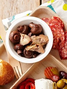 Slow Cooker Dips, Slow Cooker Appetizers, Best Slow Cooker, Wine Party Appetizers, Appetizers For Party, Appetizer Recipes, Party Snacks, Marinated Mushrooms, Stuffed Mushrooms