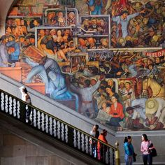 A Diego Rivera mural depicting the history of Mexico, in the Palacio Nacional. Plaza de la Constitución; 011-52-55-3688-1602