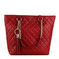 0a38bfb9c660 Kabelka z Talianska je vyrobená z pravej kože. Farba kabelky je čevená.  Hlavné zapínanie