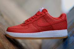 "Nike Air Force 1 07 LV8 ""University Red & Gum"""