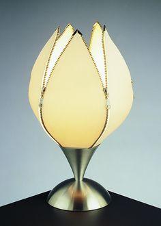Google Image Result for http://2.bp.blogspot.com/_mGkoANc7fi0/TT68eCzF1wI/AAAAAAAABk8/qlPBvIVmNas/s1600/unusual-table-lamp-quasar-tulip.jpg