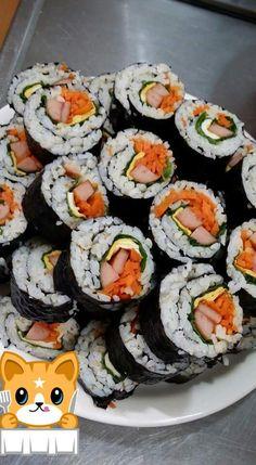 89. (6) 切好後 裝盤子就 可以了~ ( 希望 妳們喜歡 我們韓國的壽司 ^^ ) & (6) cut clothing plate after it can now ~ (hope you like our korean sushi ^^) End