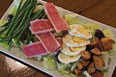 Got the lunch break blues? Try this delicious sushi-grade salad from #TheCraftBarFL! #GrandBlvdFL