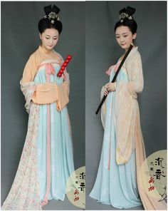 Traditional chinese hanfu worn during the Song dynasty (960-1279)