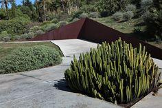 el jardín botánico in barcelona by carlos ferrater
