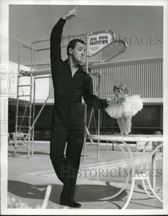 1960 Press Photo Dancer George Tapps Teaches Dog In Ballet Costume In Las Vegas in Collectibles, Photographic Images, Contemporary (1940-Now), Other Contemporary Photographs | eBay