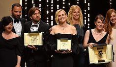 Il maggior premio è andato al film svedese di Ruben Östlund. Molti riconoscimenti al femminile: due registe e due attrici. Joaquin Phoenix miglior attore