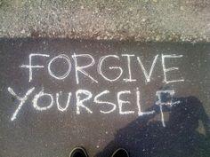 Ο ανόητος ούτε συγχωρεί ούτε ξεχνά. Ο αφελής και συγχωρεί και ξεχνά. Ο έξυπνος συγχωρεί, αλλά δεν ξεχνά. Thomas Szasz