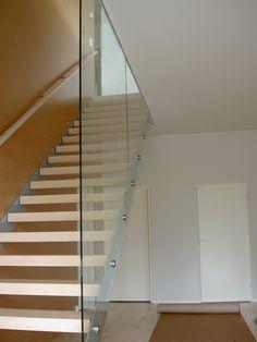 (Porraslasiseinä) – Elegantit kokolasiseinät soveltuvat myös portaisiin. #habitare2014 #design #sisustus #messut #helsinki #messukeskus