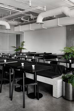 Concrete and terrazzo furniture feature in Ritz&Ghougassian's minimal cafe interior Interior Design Awards, Cafe Interior Design, Cafe Design, Interior Architecture, Melbourne Architecture, Interior Shop, Flat Interior, Store Design, Interior Ideas