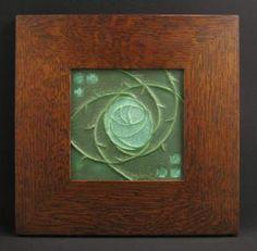6x6  MACINTOSH  ROSE   TILE   (CUCUMBER GREEN)   IN    MITERED   OAK   FRAME