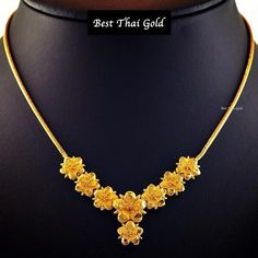 24k Gold Jewelry, Gold Jewelry Simple, Filigree Jewelry, Gold Jewellery Design, Yellow Jewelry, Indian Gold Necklace Designs, Gold Mangalsutra Designs, Gold Earrings Designs, Gold Fashion