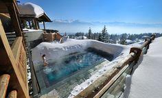 Oletko koskaan varannut hotellia vain uima-altaan perusteella? Näiden kuvien jälkeen saatat varata.